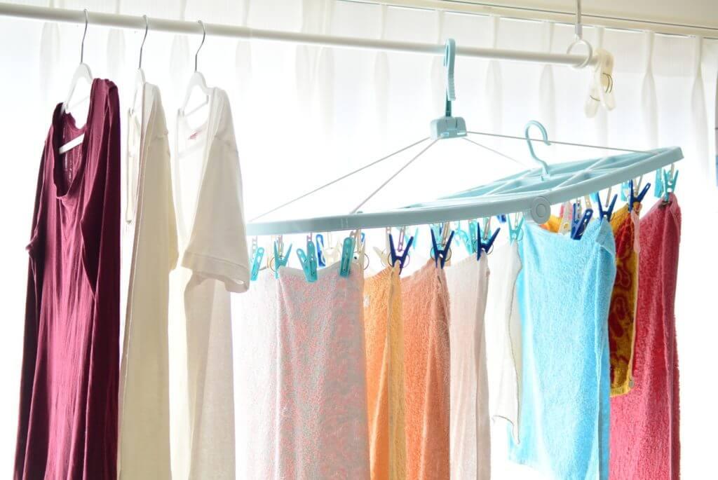 白く輝く洗濯物たち