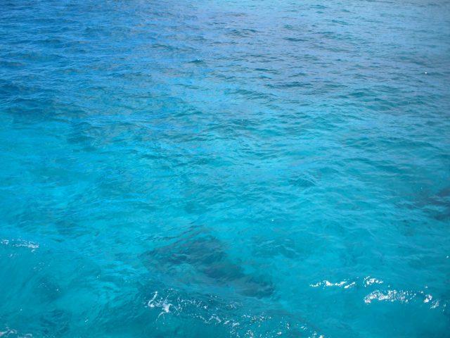 渡名喜ブルーの海