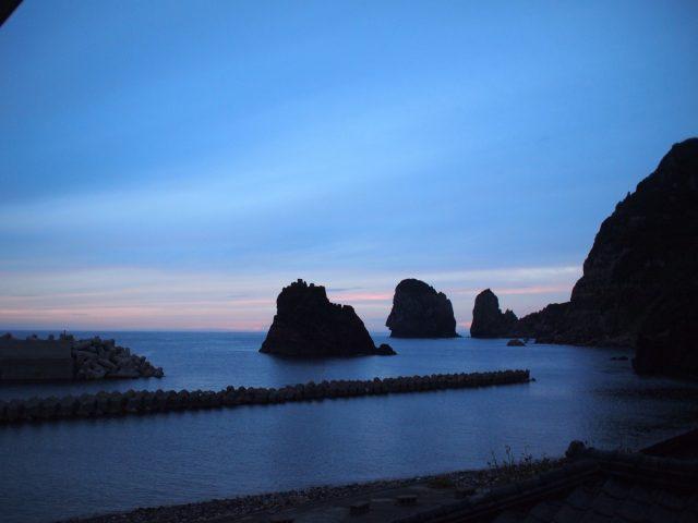 夕暮れどきのナポレオン岩
