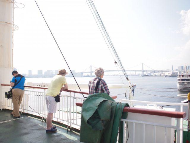 東京湾を望む