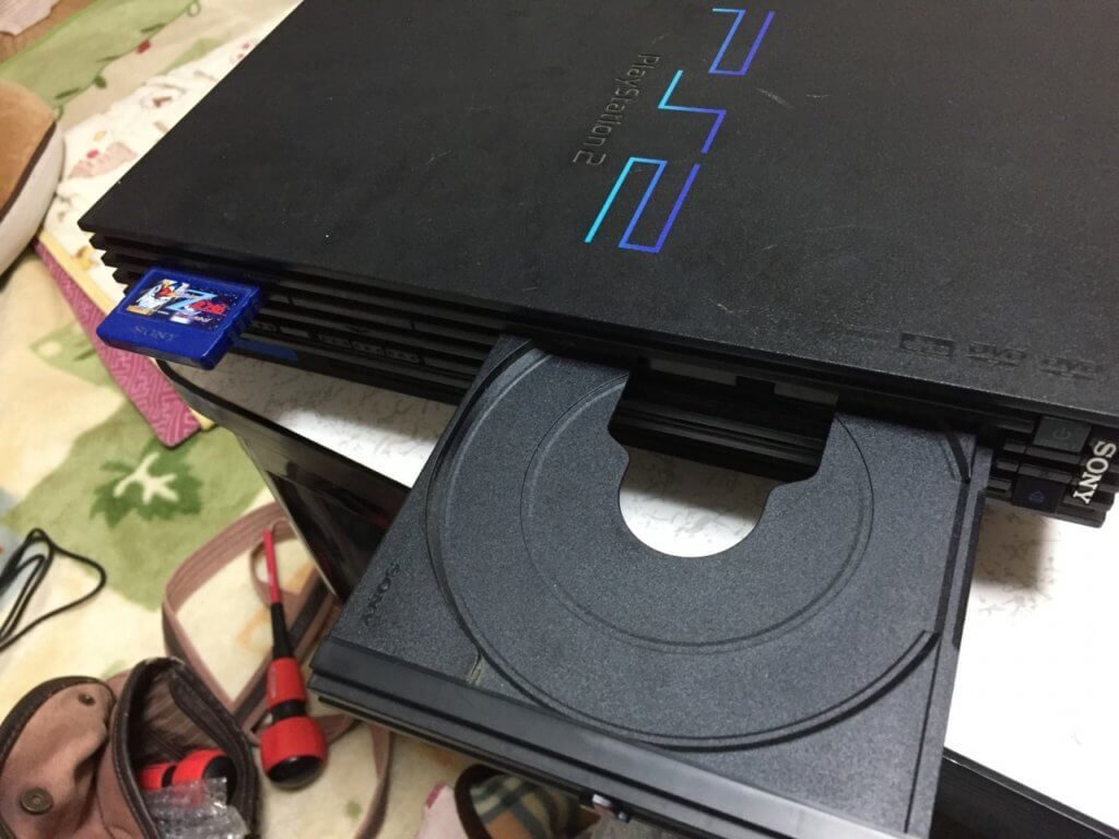 PS2のディスクトレイが開いた状態