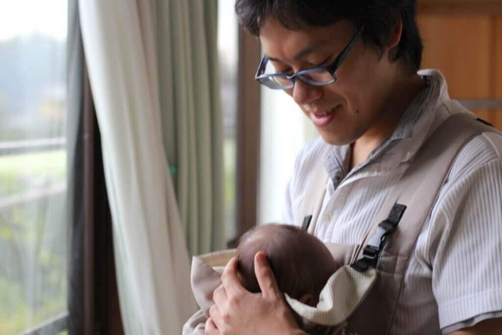 マタニティブルー 夫 対応:赤ちゃんと一緒の嫁くん
